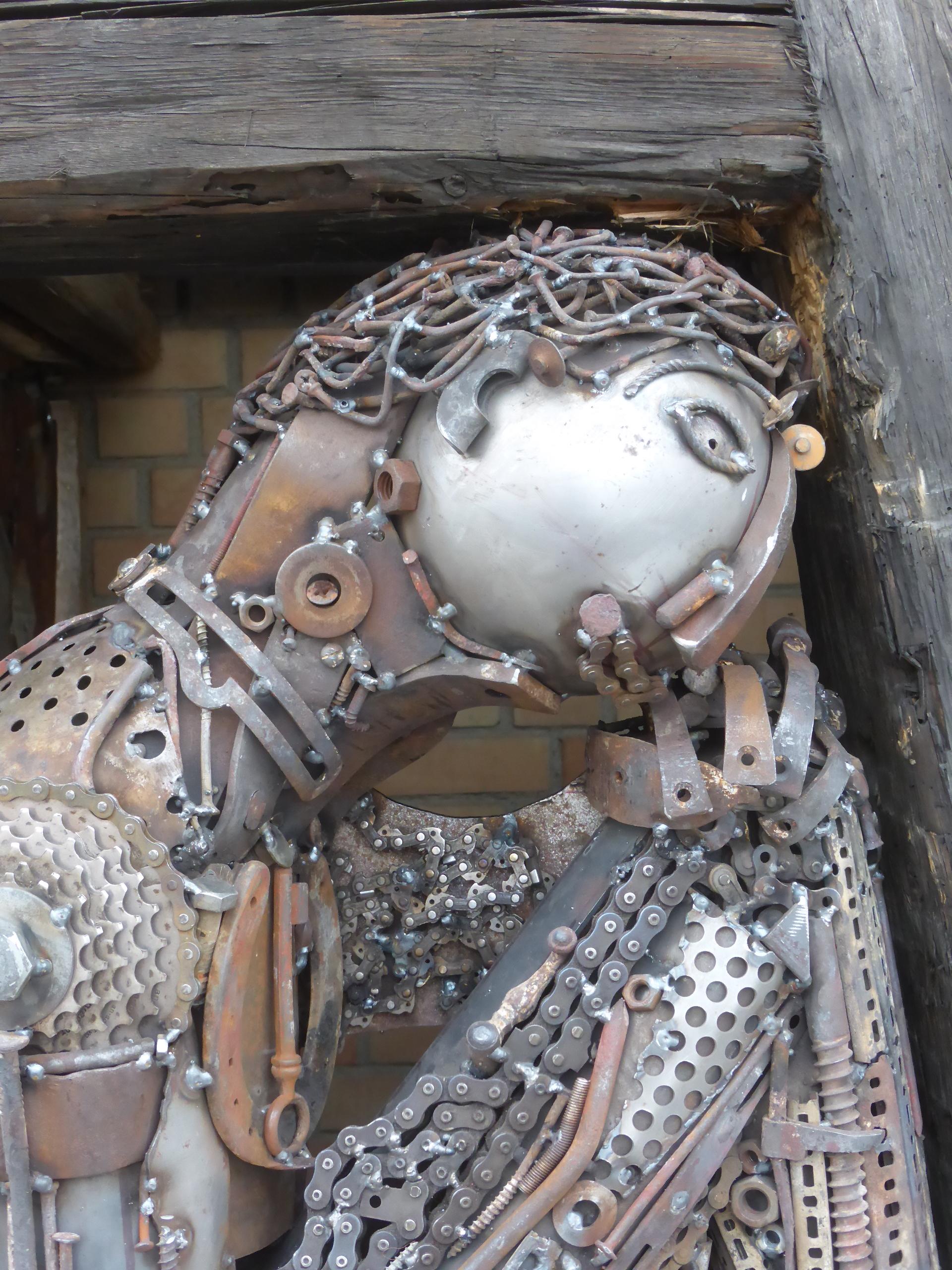 Mo-nail art | Steel nails used in art, Nagel Skulpturen in der Kunst